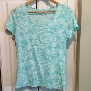 Vineyard Vines Abstract T-Shirt Size M